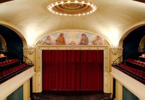 TC_theatre full stage